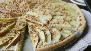 Caramel Apple Cookie Pizza