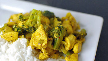 Turmeric Chicken and Broccoli Stir Fry