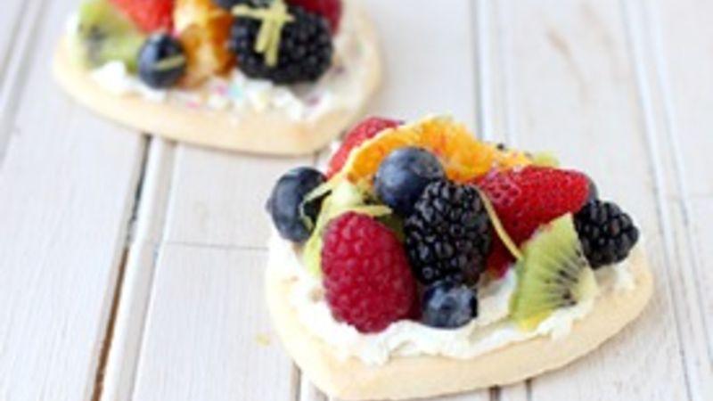 Mini Rainbow Fruit Pizzas