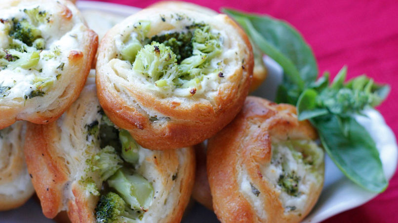 Cream Cheese, Broccoli and Jalapeño Pinwheels