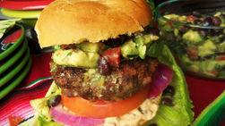 Hamburguesa con Relleno de Chile y Chorizo Mexicano