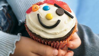 Pirate's Hidden Treasure Cupcakes