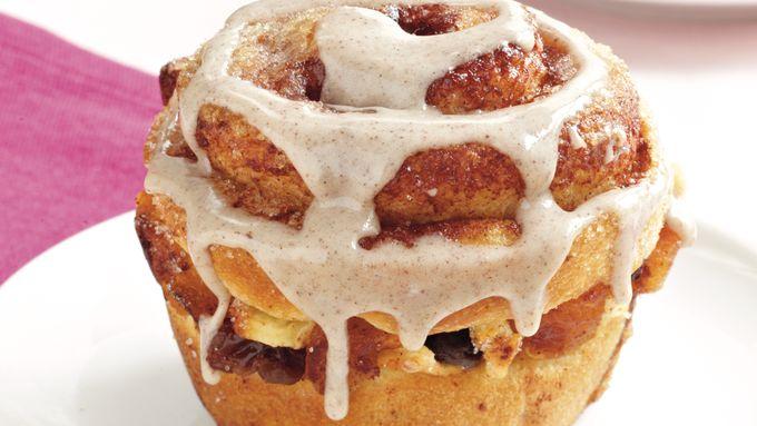 Apple-Apricot Cinnamon Buns