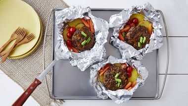 Grilled Cheddar Burgers and Veggies Packs