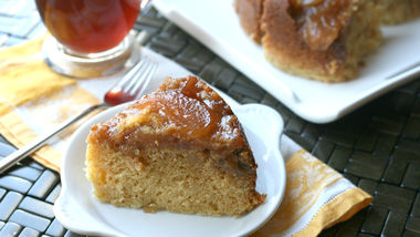 Slow-Cooker Apple Crisp Coffee Cake