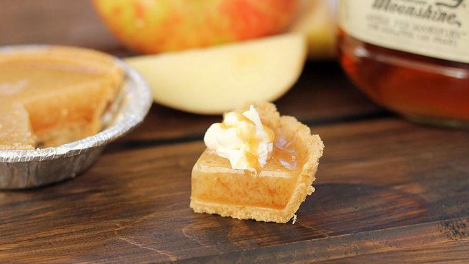 Caramel Apple Pie Moonshine Jello Shots