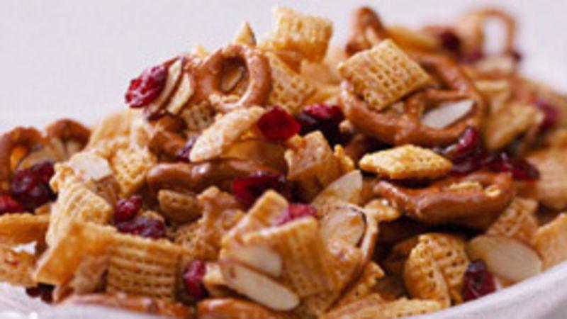 Skinny Sweet Almond Snack Mix