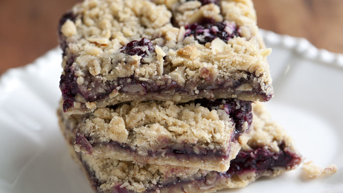 Blackberry-Almond Oatmeal Bars