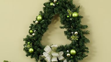 Merry Tree Wreath