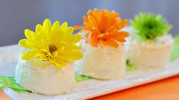 Mini Gluten-Free Wedding Cakes