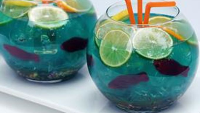 Fishbowl punch recipe from tablespoon for Fish bowl drinks near me