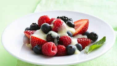 Mixed Berries with Vanilla Sauce