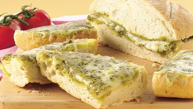 Grilled Pesto-Cheese Bread