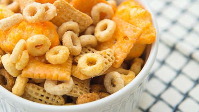 Cheerios™ Cheesy Snack Mix