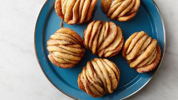 Cinnamon Sugar Pull-Apart Muffins