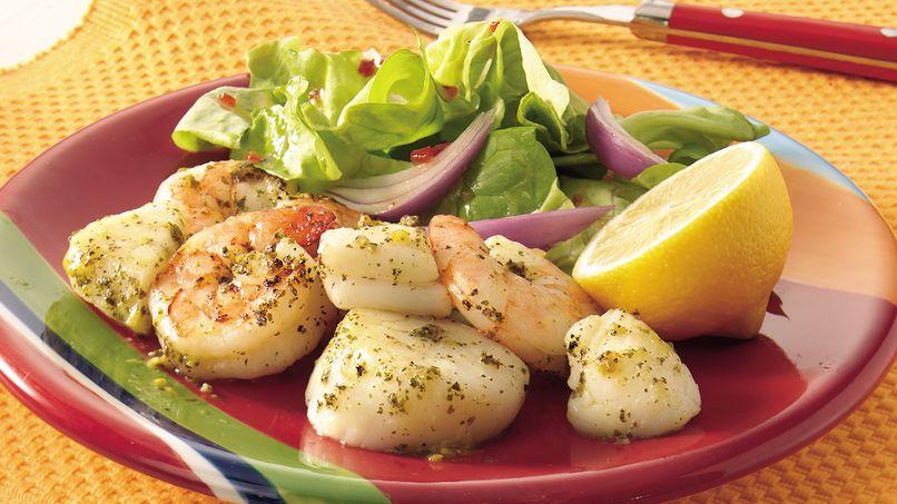 Camarones y Vieiras( Cayo de Hacha) Asados con Pesto y Limón