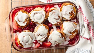 Cinnamon Roll-Topped Cobbler