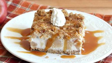 Frozen Caramel-Apple Crunch Cake
