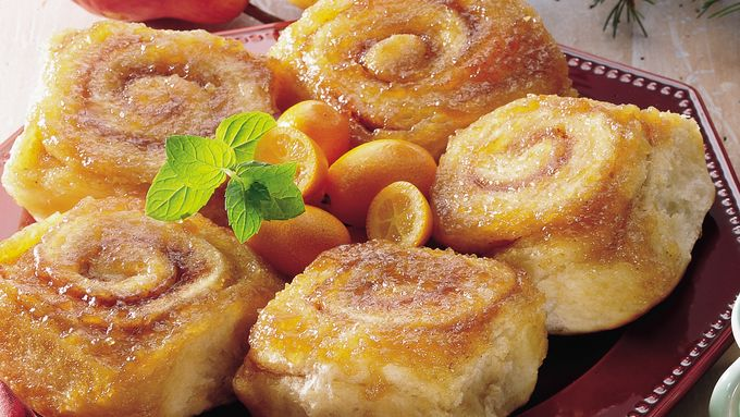 Overnight Caramel-Apple Rolls