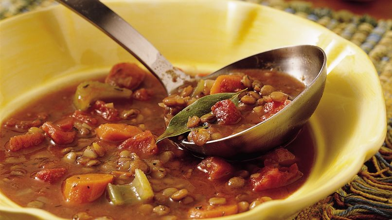 Sopa de lentejas y tomate