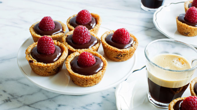 Easy Raspberry-Ganache Cookie Tarts