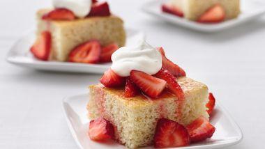 Skinny Strawberry Shortcake Squares