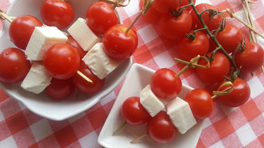 Brochetas de Tomate y Queso Fresco