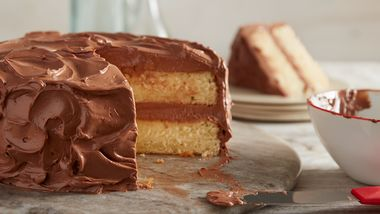 Yellow Butter Cake with Chocolate Buttercream