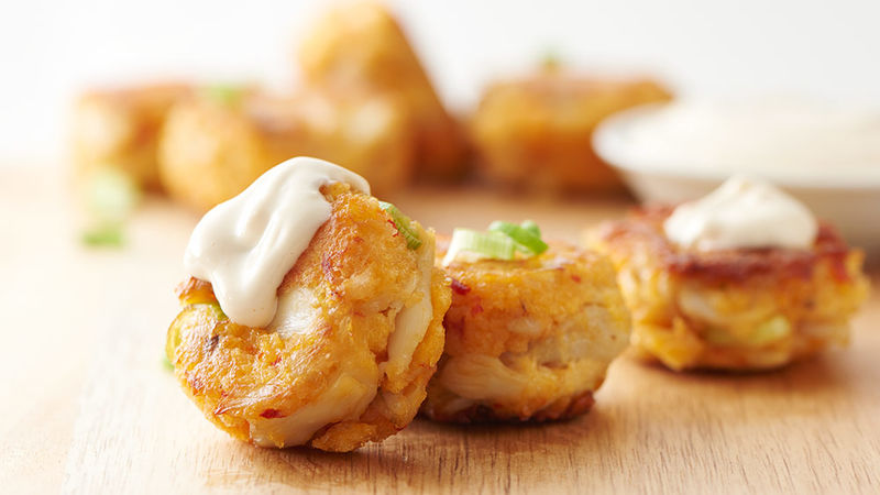 Mini Spicy Crab Cakes with Lemon Aioli