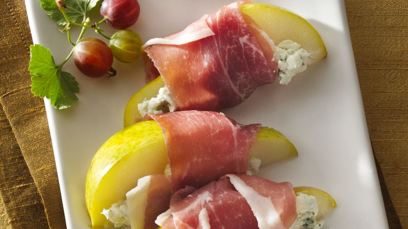 Prosciutto and Creamy Blue Cheese Pear Slices