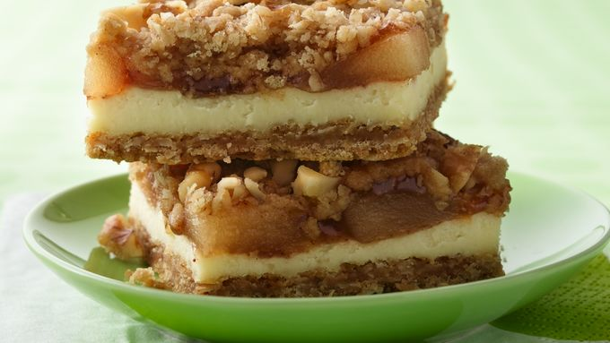 Apple Streusel Cheesecake Bars