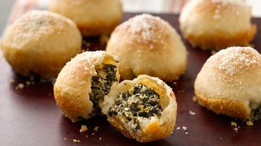 Spinach Dip-Stuffed Garlic Rolls