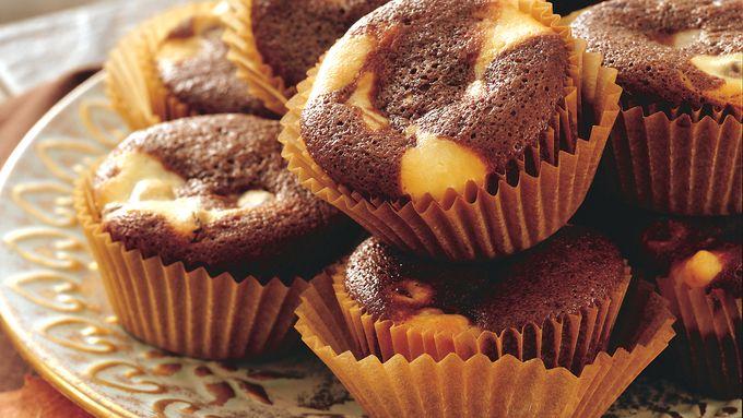 Chocolate Chip Cheesecake Swirl Cupcakes