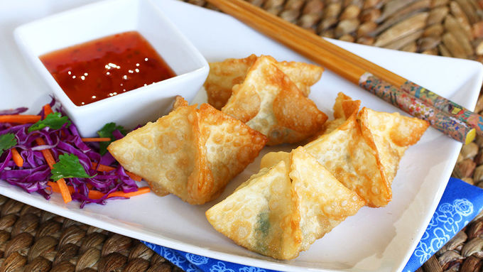 Goat Cheese and Bacon Wontons with Dipping Sauce