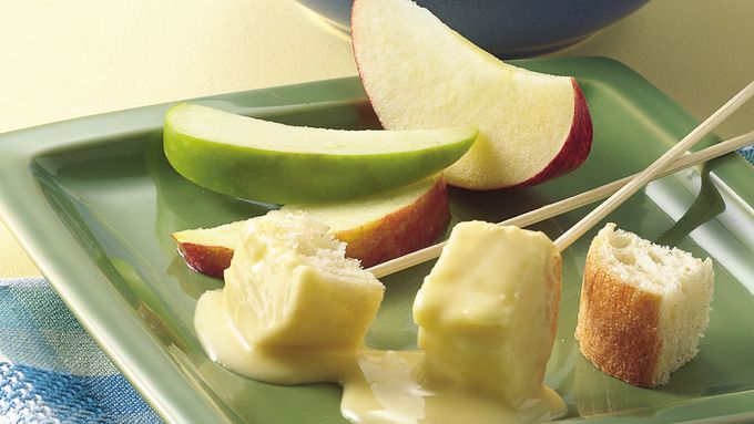 Slow-Cooker Cheese Fondue
