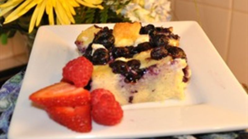 Blueberry Breakfast Bake with Maple Syrup