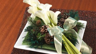 Pines and Callas Centerpiece