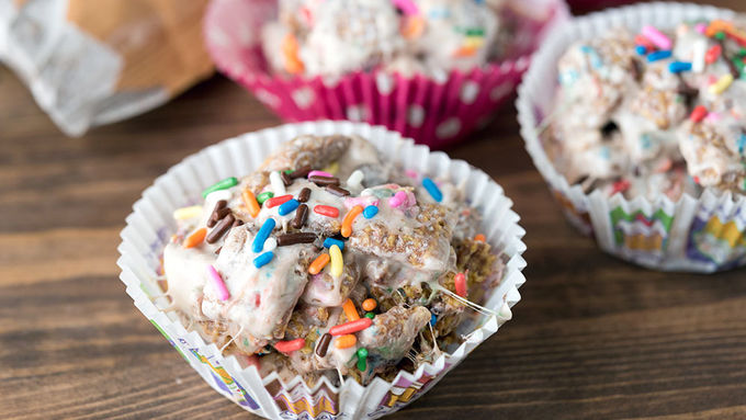 No-Bake Muddy Buddies™ Cupcakes