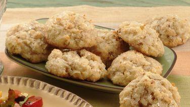 Granola-Almond Macaroons