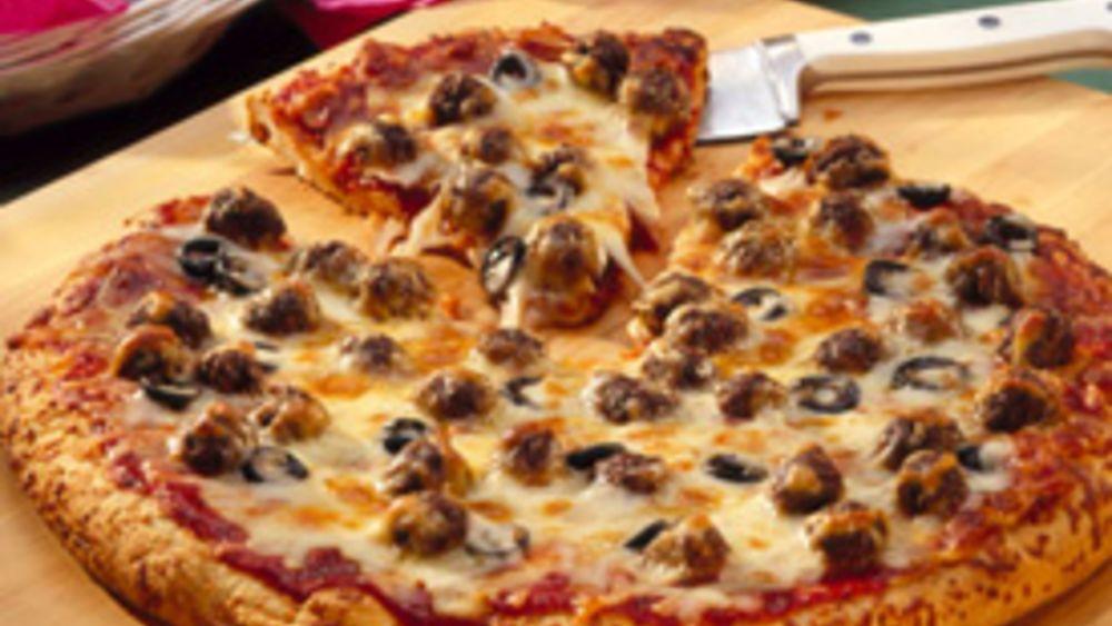 Meatless Meatball Pizza