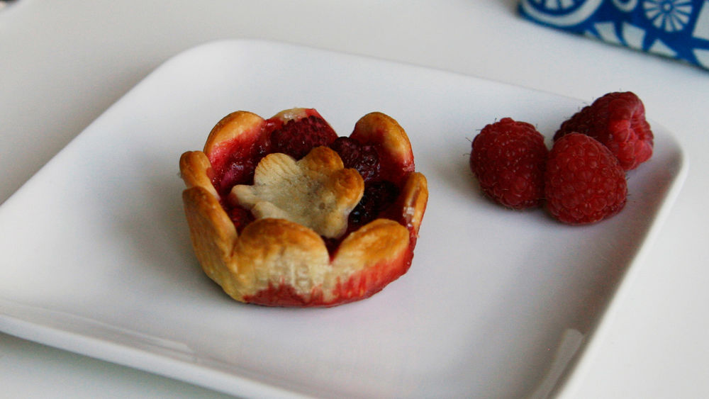 Flower-Shaped Raspberry-White Chocolate Mini Pies
