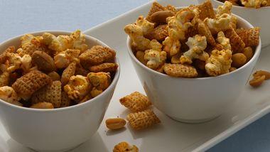 Gluten-Free Chili and Garlic Chex® Mix