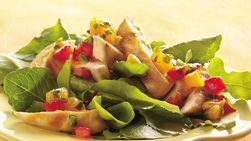 Ensalada de pollo a la parrilla en salsa de chabacano (2 porciones)