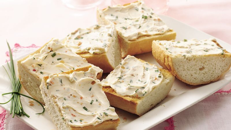 Grilled Garlic, Chive and Cheese Bread