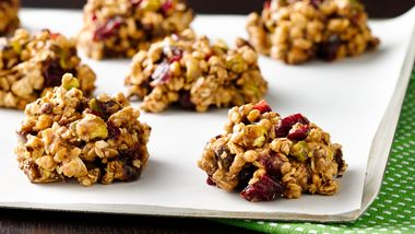 No-Bake Cranberry Granola Cookies