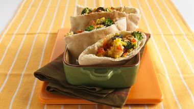Healthy Scrambled Egg and Veggie Pockets