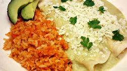 Enchiladas de Queso con Salsa de Aguacate