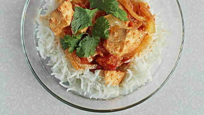 Spicy Slow-Cooker Chicken with Coconut Cream Sauce