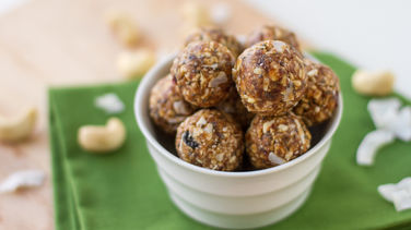 Gluten Free No-Bake Lemon Coconut Balls