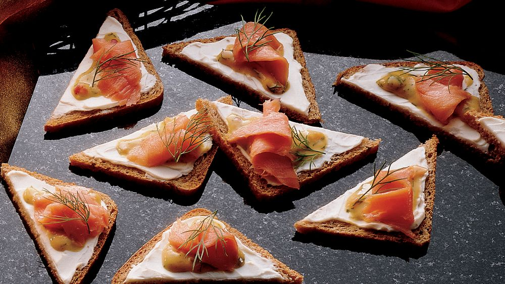 Salmon Canapes with Dilled Honey Mustard